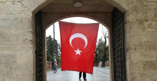 Fatih Camii'nde Beşiktaş şehitleri için Mevlid okutuldu