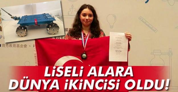 Lise öğrencisi  dünya ikincisi oldu