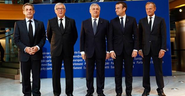 Macron'dan Sarkozy'ye jest