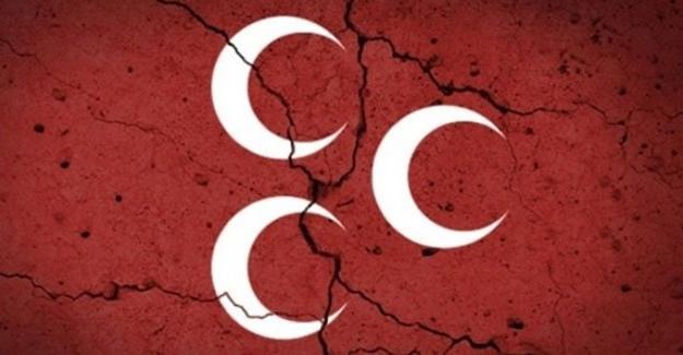 MHP İlçe Teşkilatında 25 istifa
