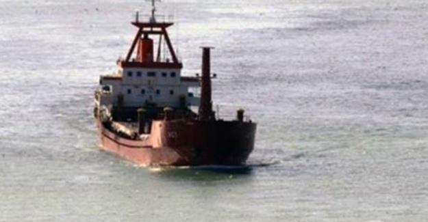 Saldırıya uğrayan Türk gemisi Marmaris Limanı'nda