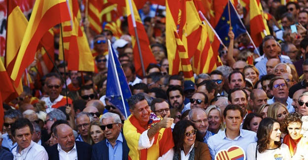İspanyollardan birlik mitingi