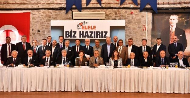 AK Parti İzmir milletvekillerinden ortak yerli otomobil açıklaması