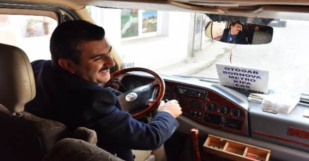 Şoför koltuğuna geçen başkan vatandaşın sorunlarını dinledi
