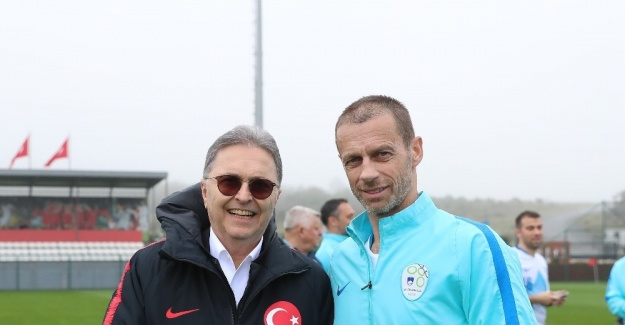 Bakan Kasapoğlu'ndan TFF Başkanı Hüsnü Güreli'ye ziyaret