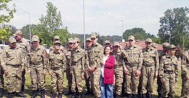 Engelli gençlerin askerlik sevinci