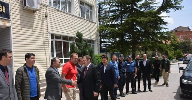Eski Bakan Eroğlu, Kaymakam Kaya'yı ziyaret etti