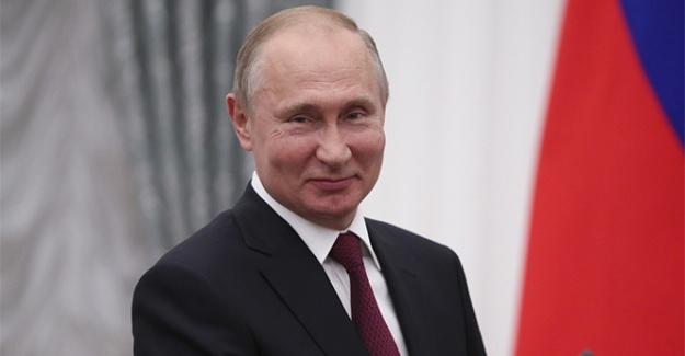 Putin, Papa Francis ile görüştü