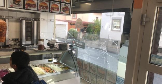 Alman ırkçılar, Türk lokantasına saldırdı