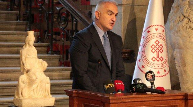 Bakan Ersoy: Kybele heykeli ait olduğu topraklara gelmiştir