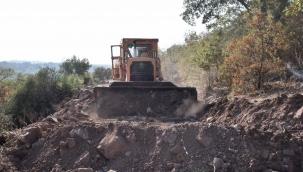 Yunusemre'den Bostanlar Mahallesi'nde 25 Km'lik yol çalışması