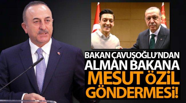 Bakan Çavuşoğlu'ndan Alman Bakana Özil göndermesi