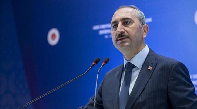 Bakan Gül'den emekli amirallerin bildirisine tepki