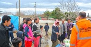 Torbalı Belediyesi'nden mültecilere yardım eli