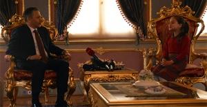 Vali Yerlikaya, koltuğunu Zeynep Yiğit'e devretti