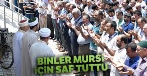 Binler Mursi için saf tuttu