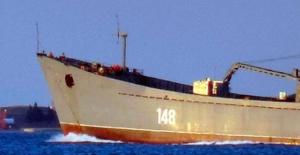 Rus savaş gemisi 'Orsk' Çanakkale Boğazı'ndan geçti