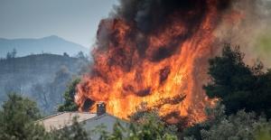 Yunanistan'daki yangın 3 gündür söndürülemiyor