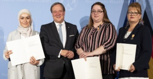 Almanya'da yangında hastaların hayatını kurtaran Türk hemşireye ödül