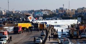 İranda yolcu uçağı pistten çıktı