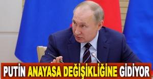 Putin, anayasa değişikliğine gidiyor
